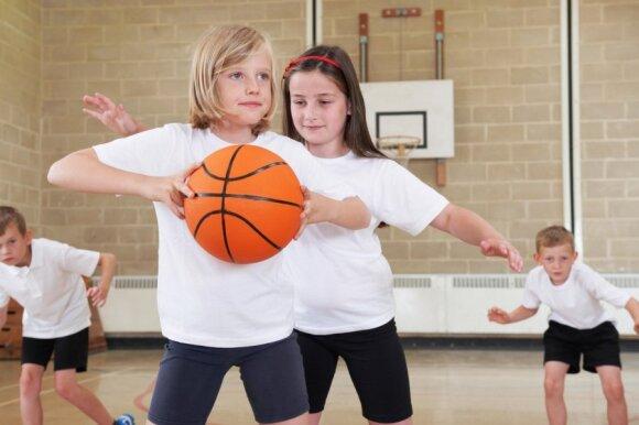 Kaip padėti vaikams, patiriantiems sunkumų mokykloje