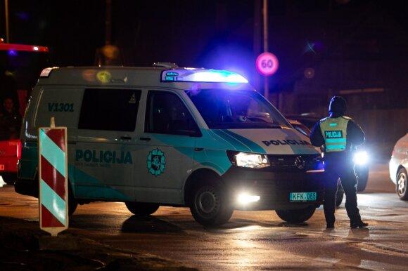Mįslėmis apipintas vaiko pagrobimas Vilniuje: apklausta kelios dešimtys žmonių, bet mergaitė ir jos tėvai vis dar nerasti