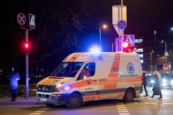 Įspėja dėl feisbuke pirktų fejerverkų: medikai tokių sužalojimų dar nėra matę