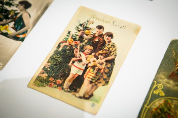 Lietuviai šluoja kalėdinius atvirukus