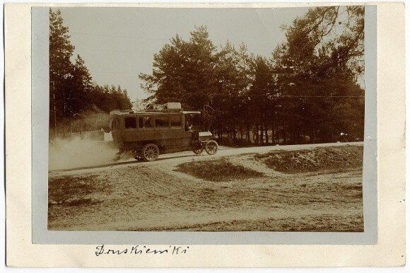 Autobusas kelyje Druskininkai-Poriečje 1907-1908 metai