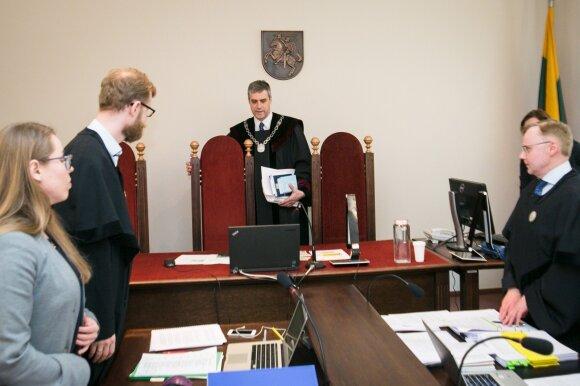 """Teismas ėmėsi """"Linkomanijos"""" bylos: parsisiųsta SEL daina užgrojo salėje"""