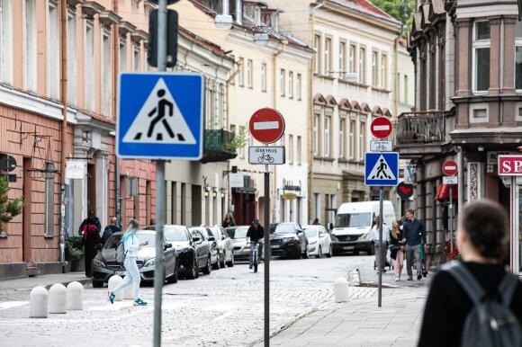 Automobiliams pritaikyti miestai jų nebemėgsta – už taršą keršija mokesčiais ir draudimais