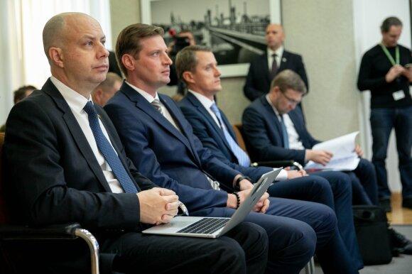 Visuomenė įvertino institucijų darbą: pasitikėjimas Seimu krito kaip po naktinės mokesčių reformos
