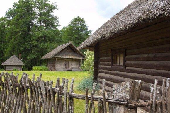 Dėmesio vertos Utenos krašto vietos: slibino guolis, suakmenėjusi šeima ir lobiai