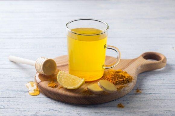 Mitybos specialistė rytą siūlo pradėti su ypač naudingu gėrimu: 9 priežastys, kodėl pati jį renkasi