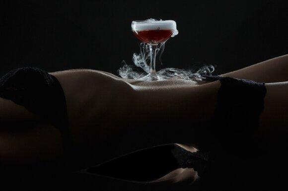 """Erotika pagardintas maistas: fotosesiją įkvėpė """"50 tamsesnių atspalvių"""""""