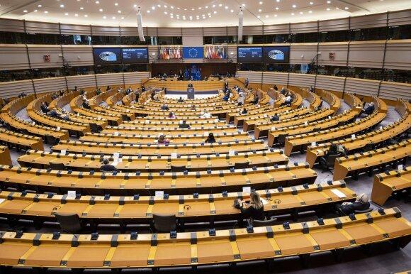 ES bando pažaboti kylančią migracijos bangą: milijardai prevencijai ir nesutarimai dėl atvykėlių pasiskirstymo