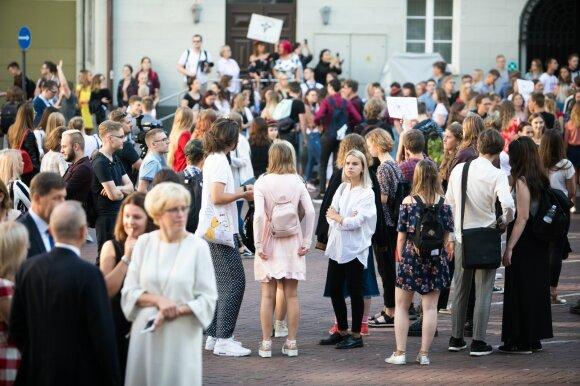 Monkevičius: ministerija svarsto abitūros egzaminų šiemet apskritai nerengti