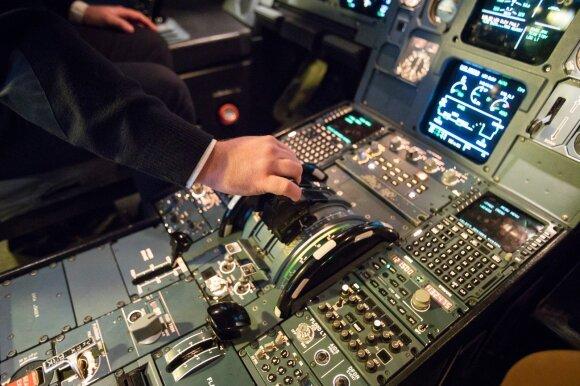 Lėktuvuose tarp keleivių sėdintys pilotai įsidėmi tai, ko mes nė nepastebime
