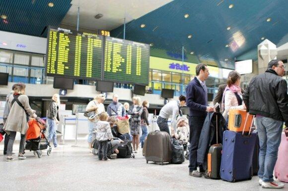 Pažeminimas Vilniaus oro uoste: mamai teko įrodinėti, kad sūnus – jos