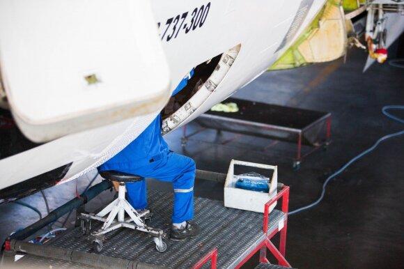 Aviacijos specialistas – apie pokyčius po katastrofų, atidėtus skrydžius ir saugumo reikalavimus lėktuvams