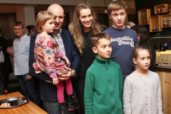 Lietuvei manekenei tenka įtikinėti, kad ji – greit 40 metų sulauksianti 4 vaikų mama