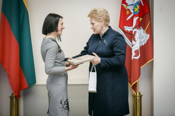 Apdovanojimą atsiima Kristina Stankutė-Matė