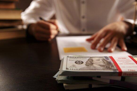 """Per 900 eurų """"į rankas"""" uždirbantys teisėjų padėjėjai palieka darbą – toks atlyginimas yra nekonkurencingas"""