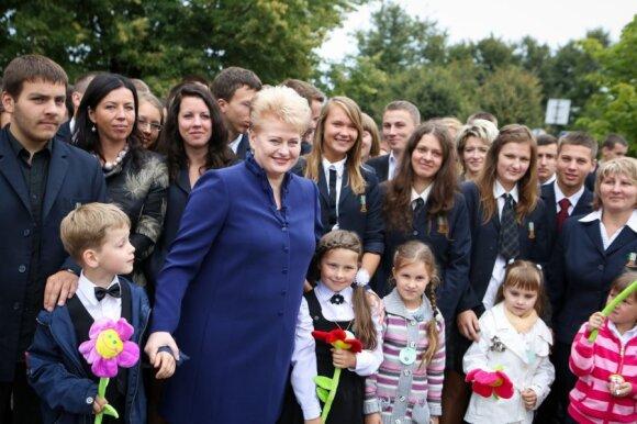 Dalia Grybauskaitė su moksleiviais