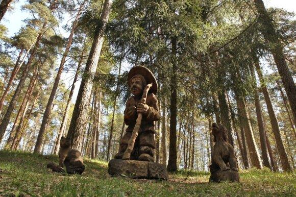 Pažintinis Rozalimo miško takas – Pakruojo dvaro (ne)konkurentas