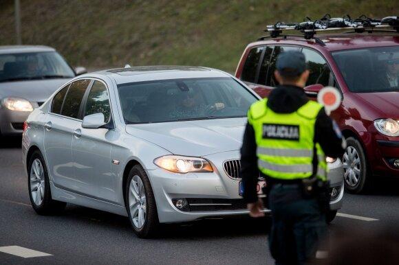 Nuo penktadienio – didesnis pareigūnų dėmesys trims vairuotojų pažeidimams