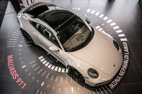 """Į Lietuvą atvežtas naujausios kartos """"Porsche 911"""""""