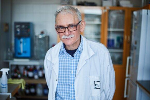 Dr. Viktoras Račys