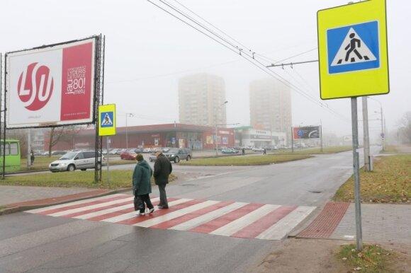 Atnaujinta pėsčiųjų perėja Kauno V. Krėvės prospekte