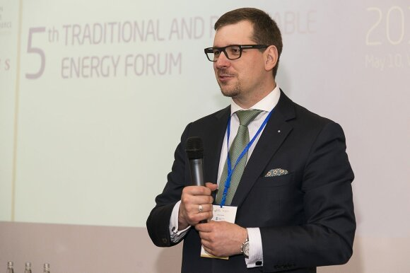Robert Juodka speaking  at the  Energy Forum Vilnius  © Photo Ludo @ The Lithuania Tribune