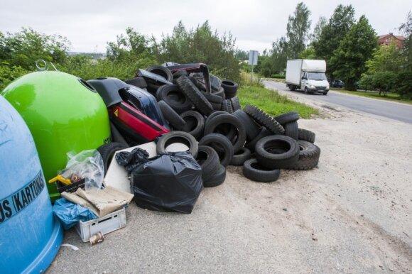 Dėl blogo švietimo, visuomenė taip ir neįsisamonino rūšiavimo, perdirbimo ar kitokio atliekų tvarkymo svarbos