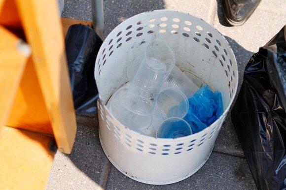 Siūlymas apmokestinti vienkartinius puodelius papiktino verslininkus: viršūnė