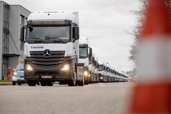 """Lietuvos transporto bendrovė įsigijo tūkstantį """"Mercedes-Benz"""" vilkikų"""