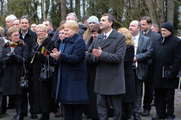 D. Grybauskaitė įvertino automobilių mokestį ir B. Bradauską