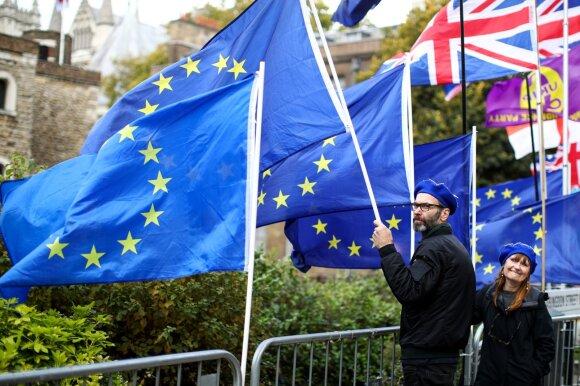 """Naujasis """"Brexit"""" paradoksas: kaip kurti ekonomiką su mažiau žmonių ir atsisakyti priklausomybės nuo pigios darbo jėgos"""