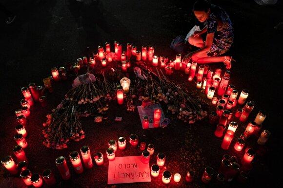 Rumunai gedi dviejų nužudytų paauglių