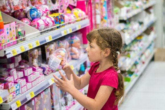 Vaikas parduotuvėje