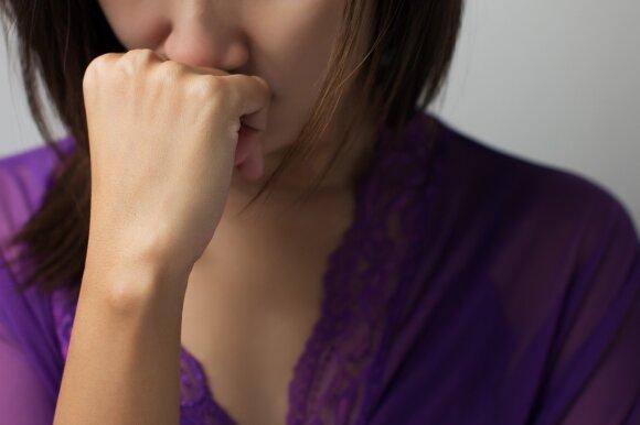 Kas lengviau susidoroja su ligomis: ekstravertai ar intravertai?