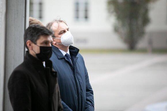 Simonas Krėpšta ir profesorius Kęstutis Petrikonis.