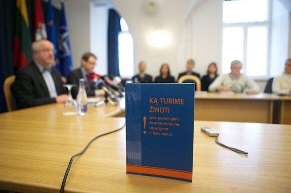 """Pristatomas leidinys """"Ką turime žinoti apie pasirengimą ekstremaliosioms situacijoms ir karo metui"""""""