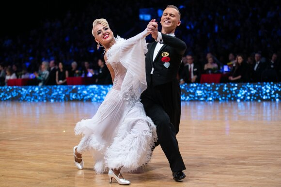 Tarptautinės šokio dienos proga: intriguojantys faktai apie sportinius šokius