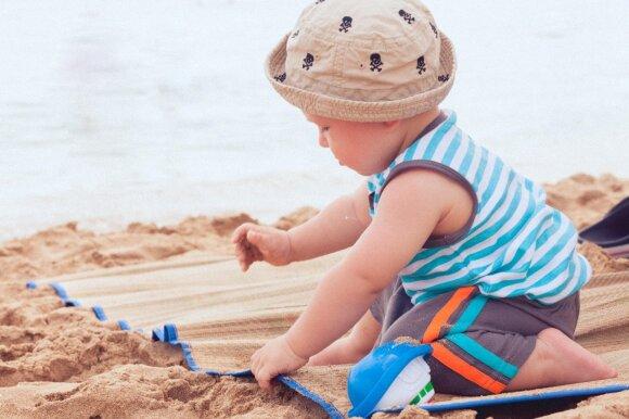 Žaidimai saulėje: 10 svarbiausių taisyklių, kaip pasirūpinti vaiko oda