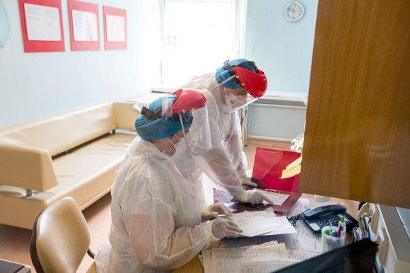 Pasaulyje – rekordinis koronaviruso sergamumas: gyventi, kaip anksčiau, negalėsime dar bent metus