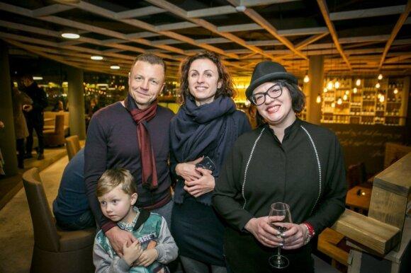 Iš kairės: Geiminas Juodeika su sūnumi ir Jurgita Juodeikienė