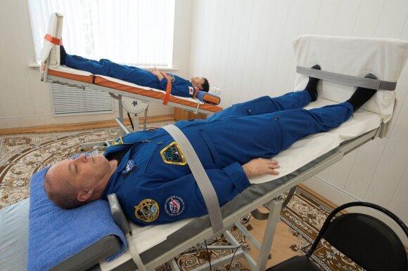 Astronautai Scott Tingle ir Norishige Kanai ruošiasi kelionei į kosmosą