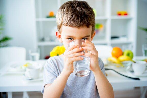 Tyrimo išvados nustebins daugelį: paaiškėjo, kaip vanduo gali paveikti vaikų gebėjimus