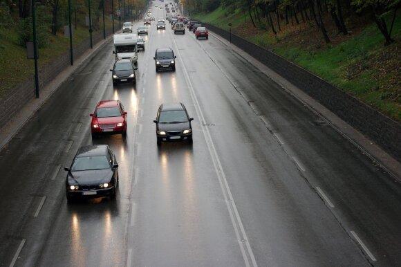 Atšilus orams vairuotojai atsipalaidavo, tačiau nevalia pamiršti svarbios datos