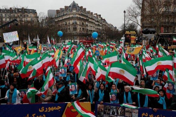 Iranas mini 40-ąsias Islamo revoliucijos metines