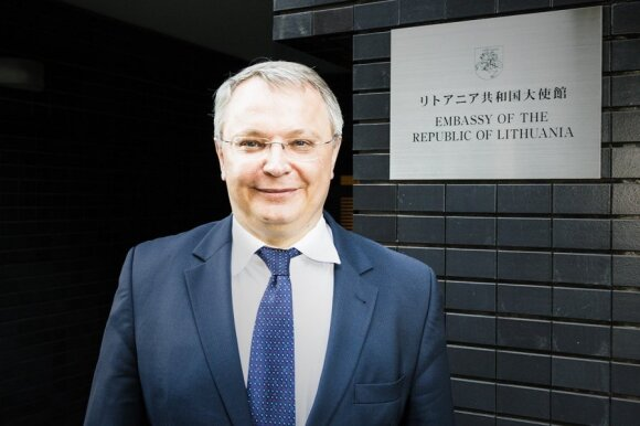 Lithuanian Ambassador to Japan Egidijus Meilunas in front of Embassy      Photo Ludo Segers