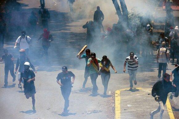 Venesueloje įvykęs neoficialus referendumas – smūgis prezidentui N. Maduro