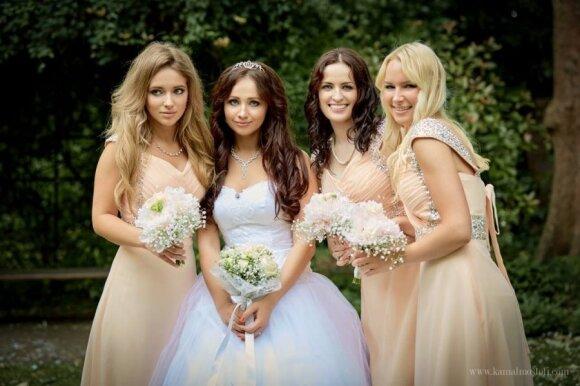 M. Šalčiūtė sesers vestuvėse Londone