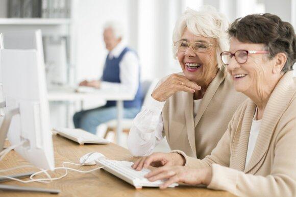 Tokia senatvė gali laukti bet kurio: vieninteliu ryšiu su pasauliu tampa socialinis darbuotojas