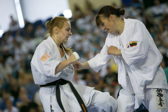 Inga Mikštaitė (dešinėje)