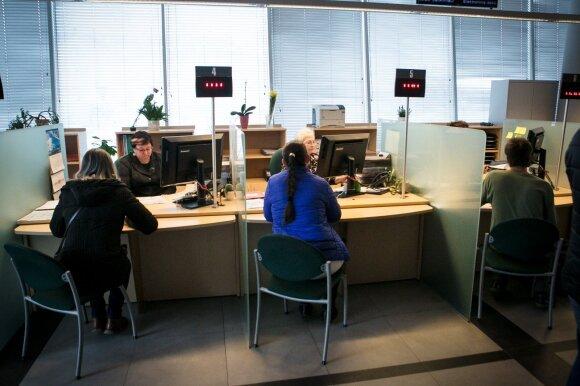 Mokesčių inspekcijos biurokratija ištampė nervus: pasirodo saugoti dokumentus reikia bent 10 metų